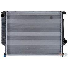 Радиатор BMW E30 85-91 E32 E34 92- 550Х440 мех
