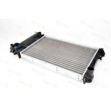 Радиатор BMW E34 88-95 520Х330 МКП