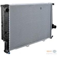 Радиатор BMW E32  E34 92-95 650Х440