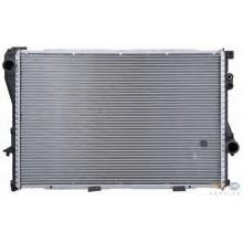 Радиатор BMW E39 95-03 E38 95-01 650Х440