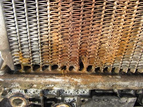 Текут соты радиатора у основания